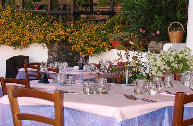 Restaurace na ostrově Salina